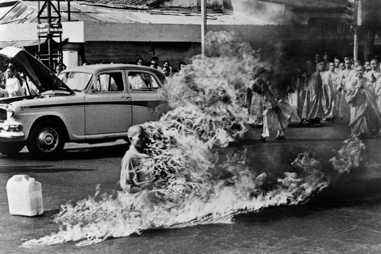 buddhist monk self immolation