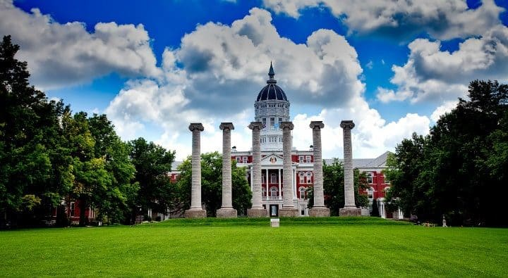 10 Examples of Great College Essays (With Links)