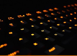 mechanical backlit computer keyboard - featured image